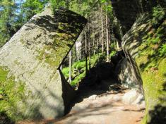 Skalní brána vTeplických skalách
